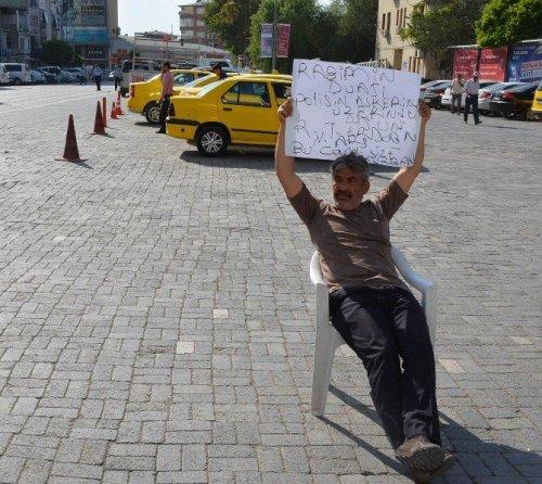 Iğdır'da Tek Kişilik Oturma Eylemi