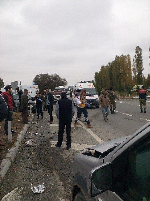 Iğdır'da Trafik Kazası: 1 Ölü, 5 Yaralı