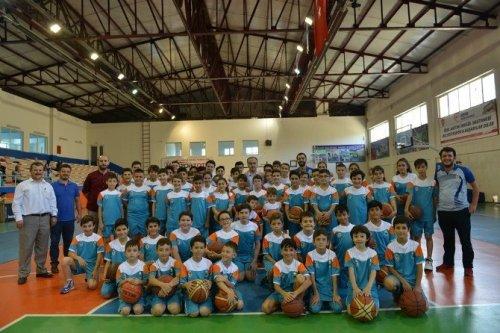 İnegöl'de Yaz Spor Okulları Devam Ediyor