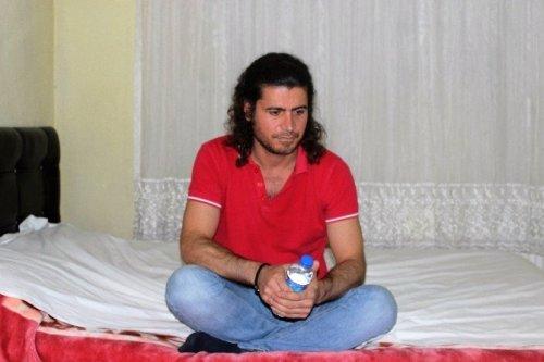 İranlı Muhammed Açlık Grevine Başladı