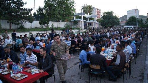 Kağızman'da Toplu İftar Yemeği