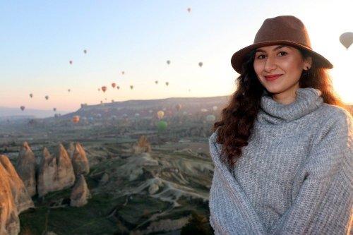 Kapadokya'da Yer Turist Gök Balon Dolu