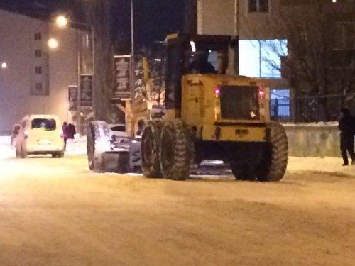 Kars Belediyesi'nin Kar Mesaisi Başladı