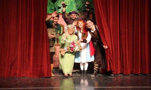 Kars'a Çocuk Tiyatrosu Geldi
