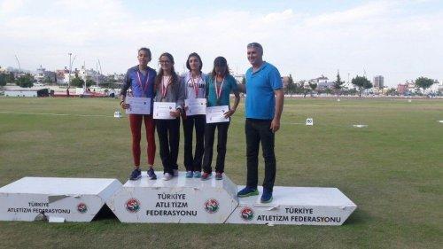 Karslı 'Lise Öğrencisi'nin Atletizm Başarısı
