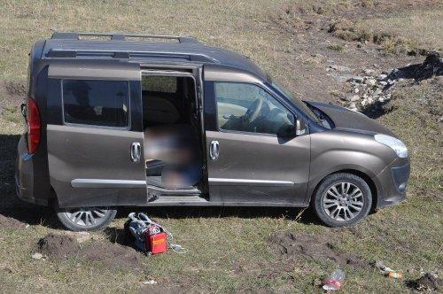 Kars'ta 1 Kişi Aracında Ölü Bulundu