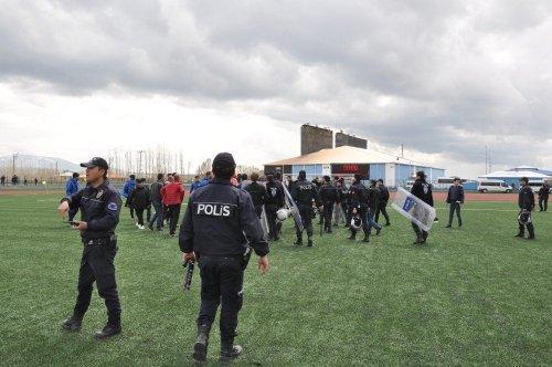 Kars'ta BAL Ligi Yükleme Maçında Olay