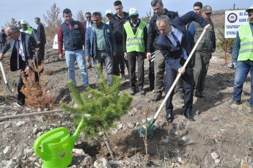 Kars'ta Cumhuriyet Polis Fidanları Etkinliği