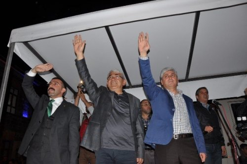 Kars'ta Konserli Demokrasi Nöbeti
