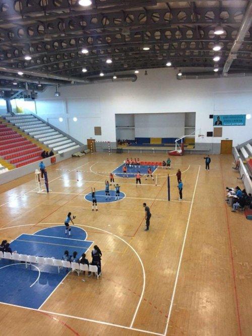Kars'ta Voleybol Turnuvası Başladı