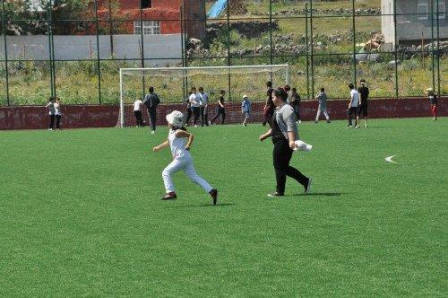 Kars'ta Yaz Spor Okulları'nın Açılışı Yapıldı