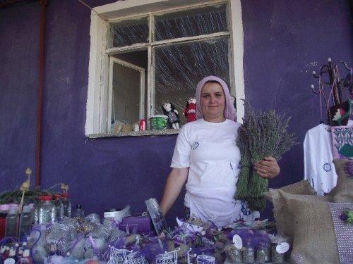 Lavanta, Bir Köyün Kaderini Değiştirdi