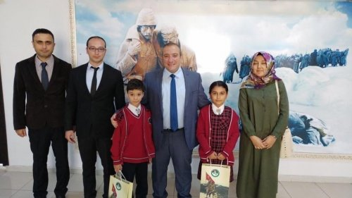 Minik Öğrenciler Kaymakam Karaman'ı Ziyaret
