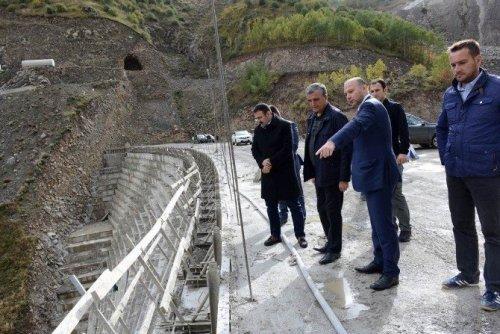 Özefe, Baraj ve Btk Demir Yolu Şantiyelerinde