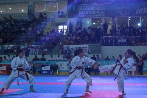 Palandöken Karate Turnuvası Açılış Töreni Yapıldı