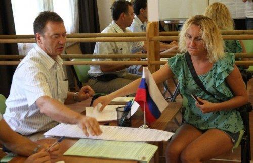 Ruslar Antalya'da Oy Kullanıyor