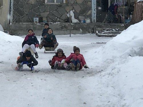 Sarıkamışlı Çocukların Kızak Keyfi