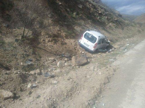 Sarıkamış'ta Trafik Kazası: 3 Yaralı