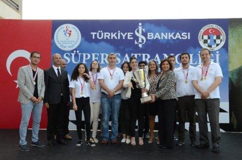 Satrançla Türkiye'nin Adını Dünyaya Duyurdular