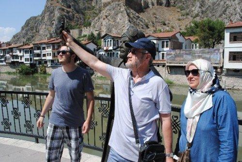Selfieci Şehzade Yine Telefonsuz Kaldı