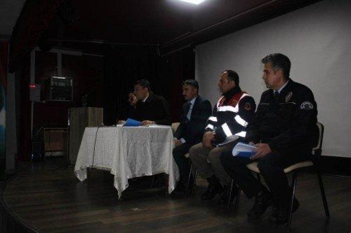 Selim'de Öğrenci Servisleri Toplantısı