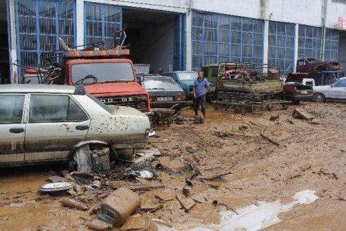 Şiddetli Yağışlar Artvin'in Arhavi İlçesinde Hasara Yol Açtı