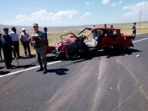 Susuz'da Trafik Kazası: 1 Ölü 3 Yaralı