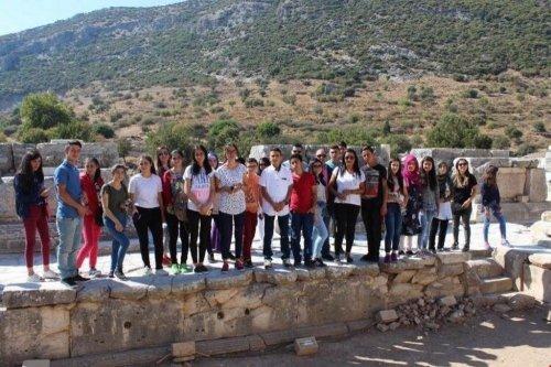 Susuzlu Öğrenciler Kuşadası'nda