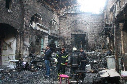 Tarihi Kapalı Çarşı'daki Yangın İzleri Silindi