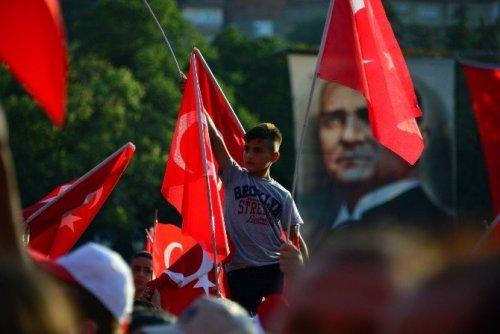 Tokat'ta Demokrasi Ve Şehitler Mitingi